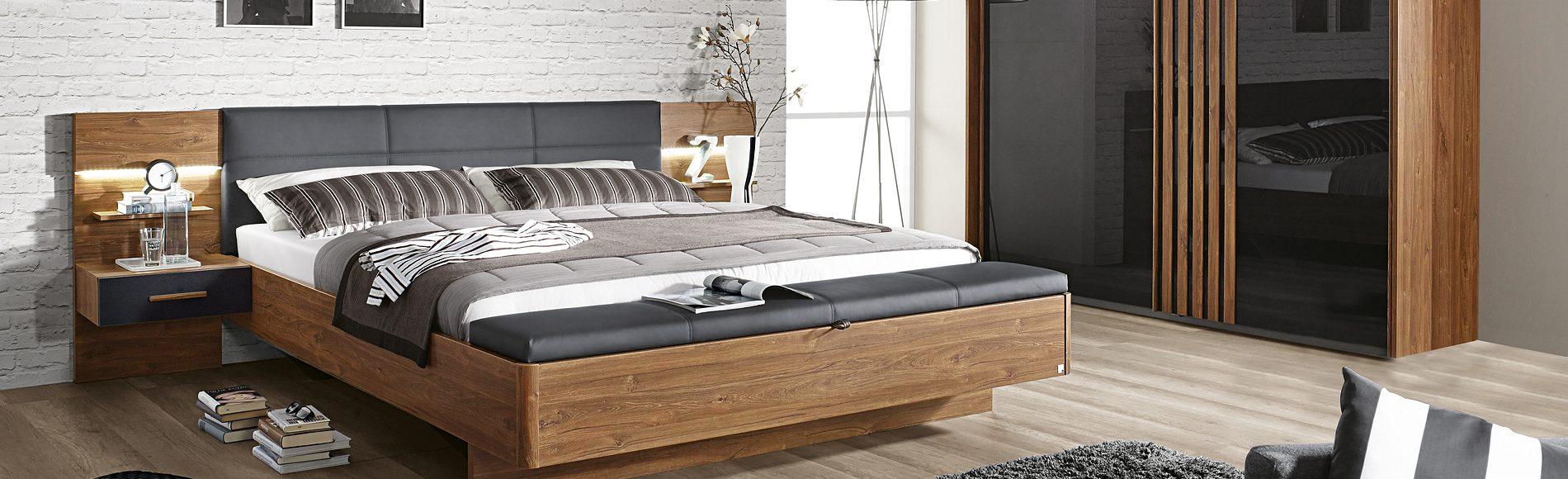 Schlafzimmer Bettanlage Nachtkommoden Kleiderschrank günstig kaufen bei Robin Hood Möbel+Küchen in Donaueschingen